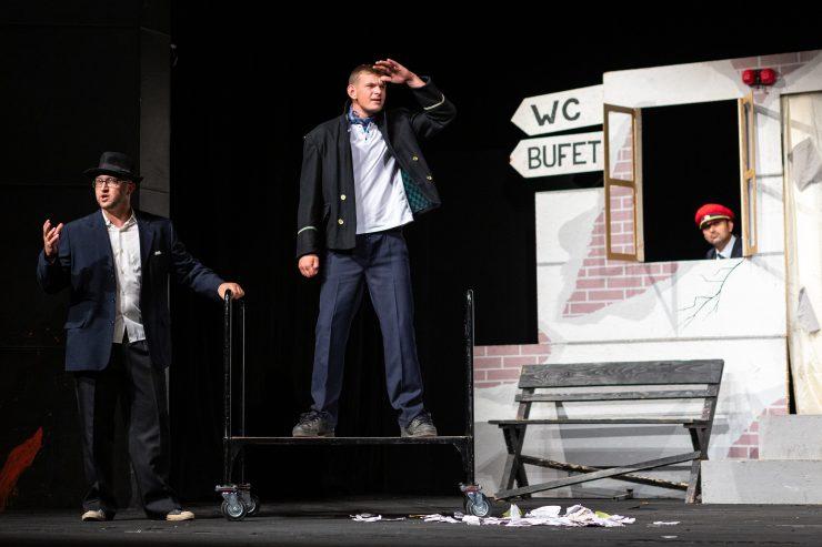Na Scénickej žatve vystúpilo divadlo KUS Zvolen s hrou Stanislava Štepku Konečná stanica. (Zdroj: Jakub Jančo)